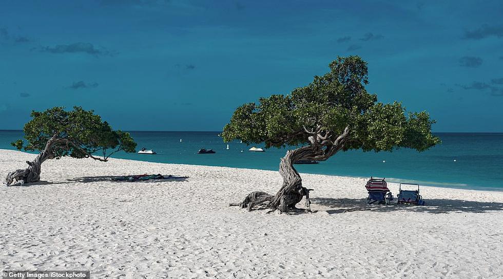 TripAdvisor bình chọn những bãi biển đẹp nhất thế giới 2019 - Ảnh 3.