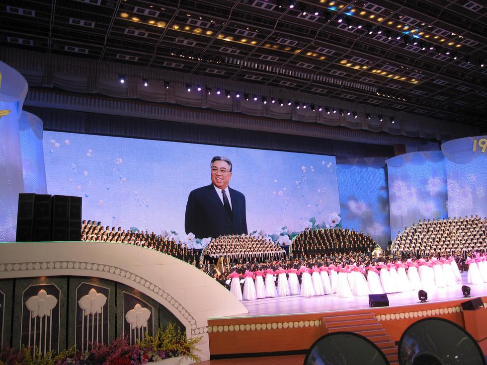 Choáng với chương trình nghệ thuật Triều Tiên 700 người như một - Ảnh 5.