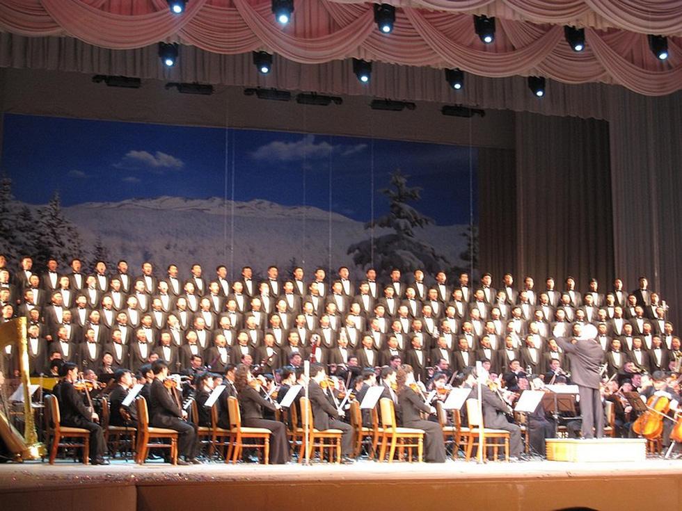 Choáng với chương trình nghệ thuật Triều Tiên 700 người như một - Ảnh 10.