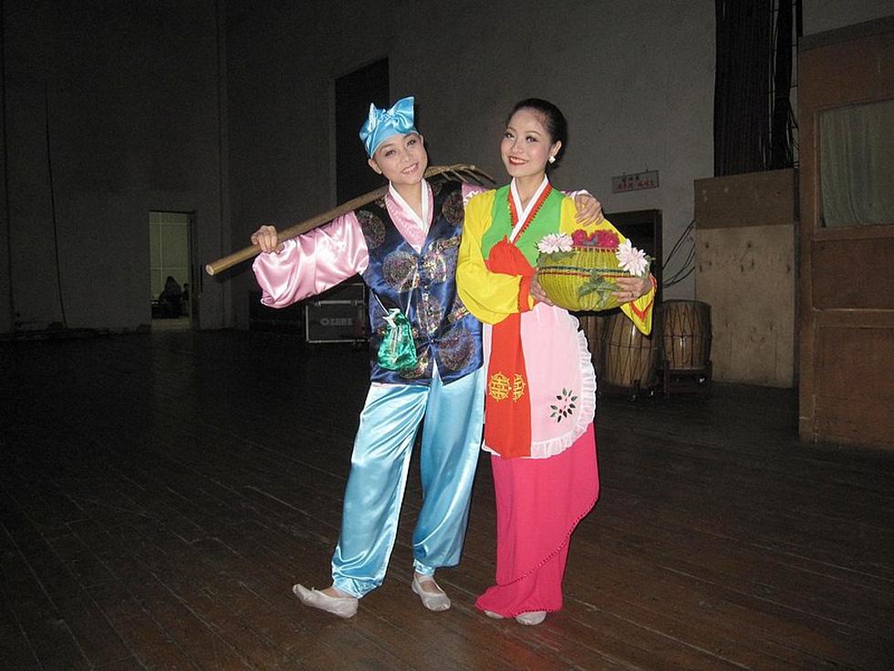 Choáng với chương trình nghệ thuật Triều Tiên 700 người như một - Ảnh 12.