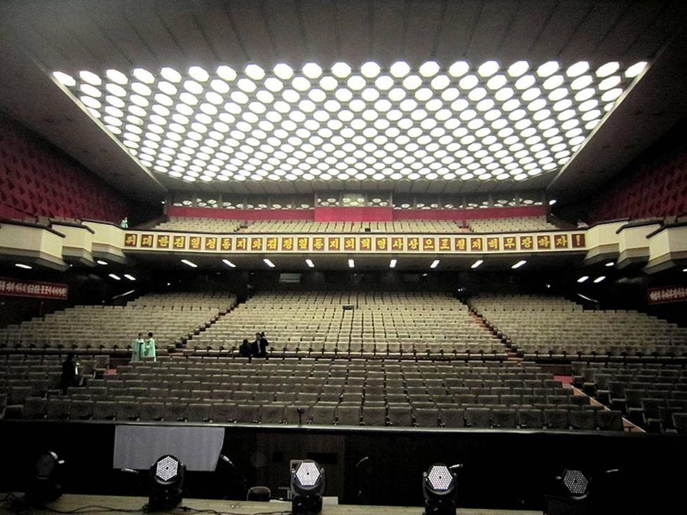 Choáng với chương trình nghệ thuật Triều Tiên 700 người như một - Ảnh 7.
