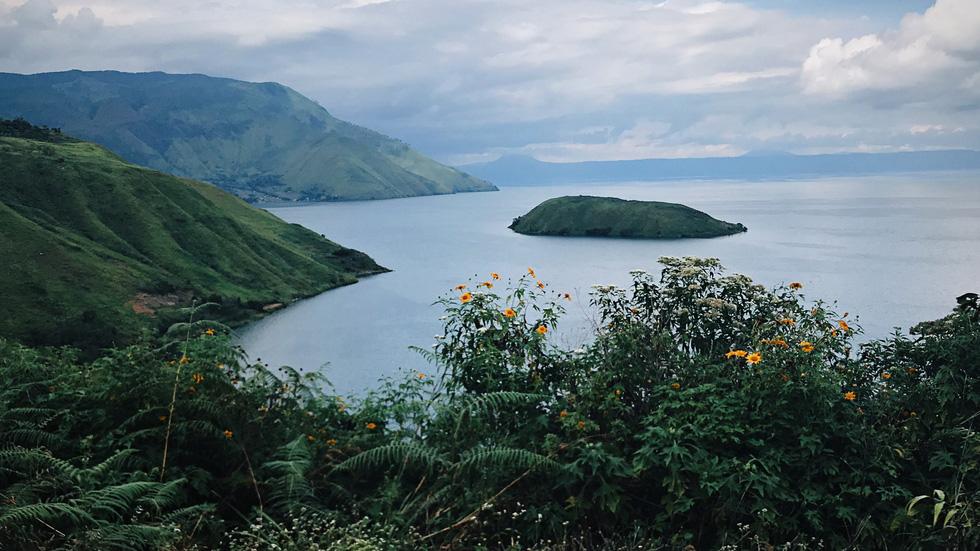 Hồ Toba có gì mà mở hẳn sân bay đón khách? - Ảnh 8.