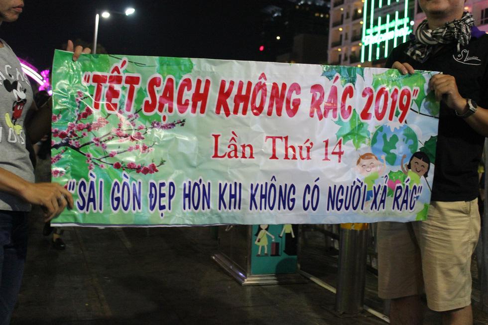 Băngrôn dễ thương nhất đường hoa Nguyễn Huệ 14 cái tết... - Ảnh 8.