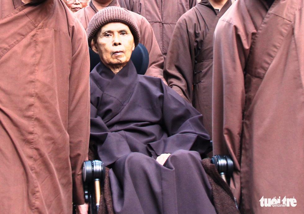 Lên chùa Từ Hiếu cầu sức khỏe cho thiền sư Thích Nhất Hạnh - Ảnh 2.