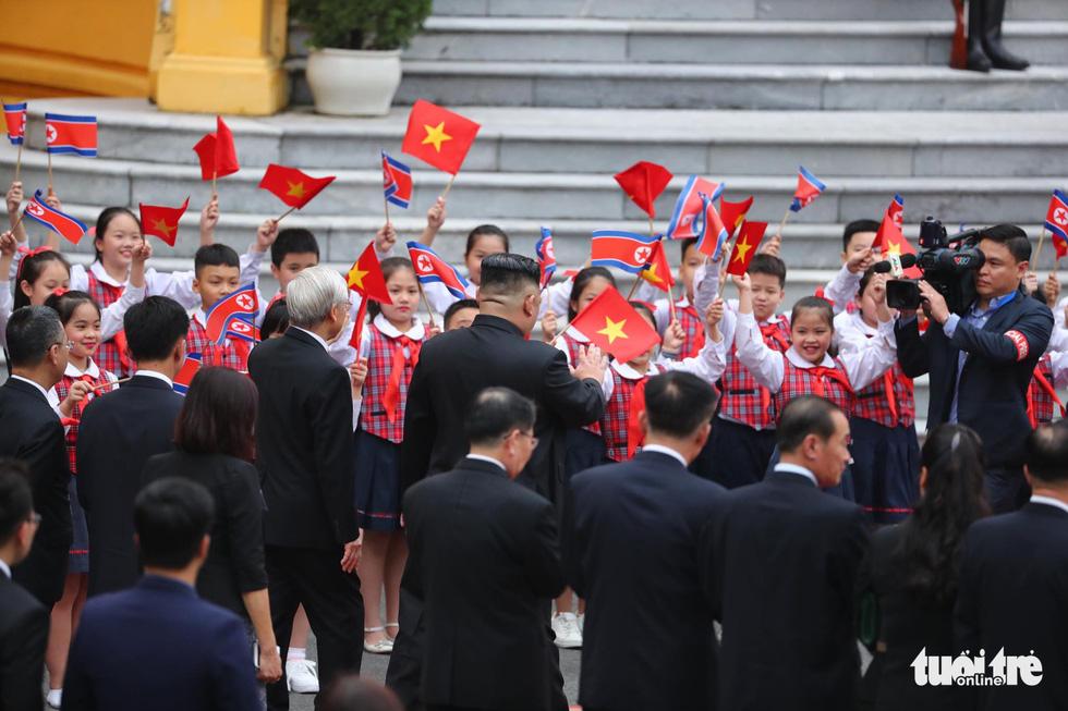 Tổng bí thư, Chủ tịch nước Nguyễn Phú Trọng hội đàm với Chủ tịch Kim Jong Un - Ảnh 8.