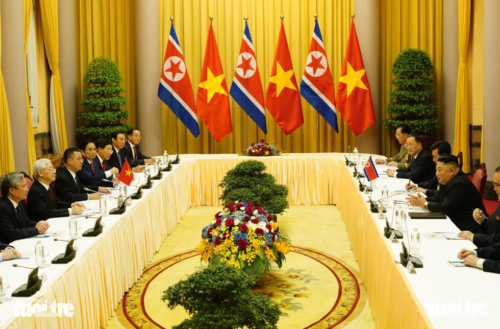 Tổng bí thư, Chủ tịch nước Nguyễn Phú Trọng hội đàm với Chủ tịch Kim Jong Un - Ảnh 3.