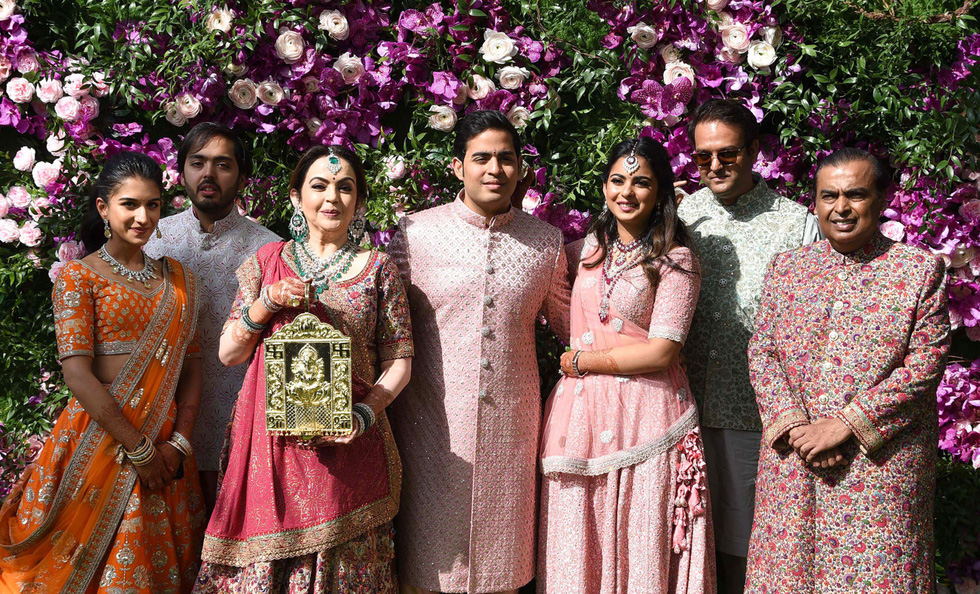 Con trai tỉ phú giàu nhất châu Á đám cưới xa hoa - Ảnh 1.