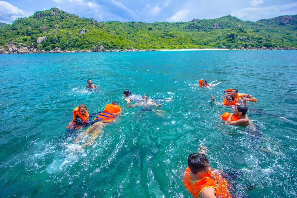 3 bãi biển tuyệt diệu để cắm trại đón bình minh ở Ninh Thuận - Ảnh 1.