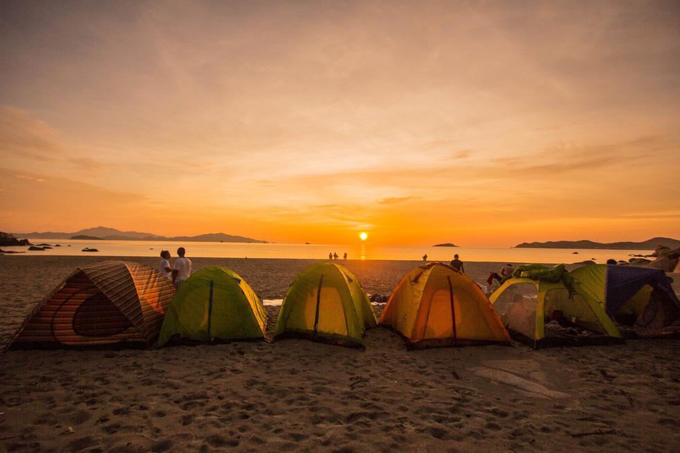 3 bãi biển tuyệt diệu để cắm trại đón bình minh ở Ninh Thuận - Ảnh 3.