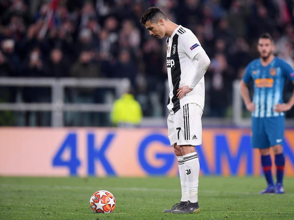 Xem siêu nhân Ronaldo đánh bại Atletico Madrid qua ảnh - Ảnh 7.