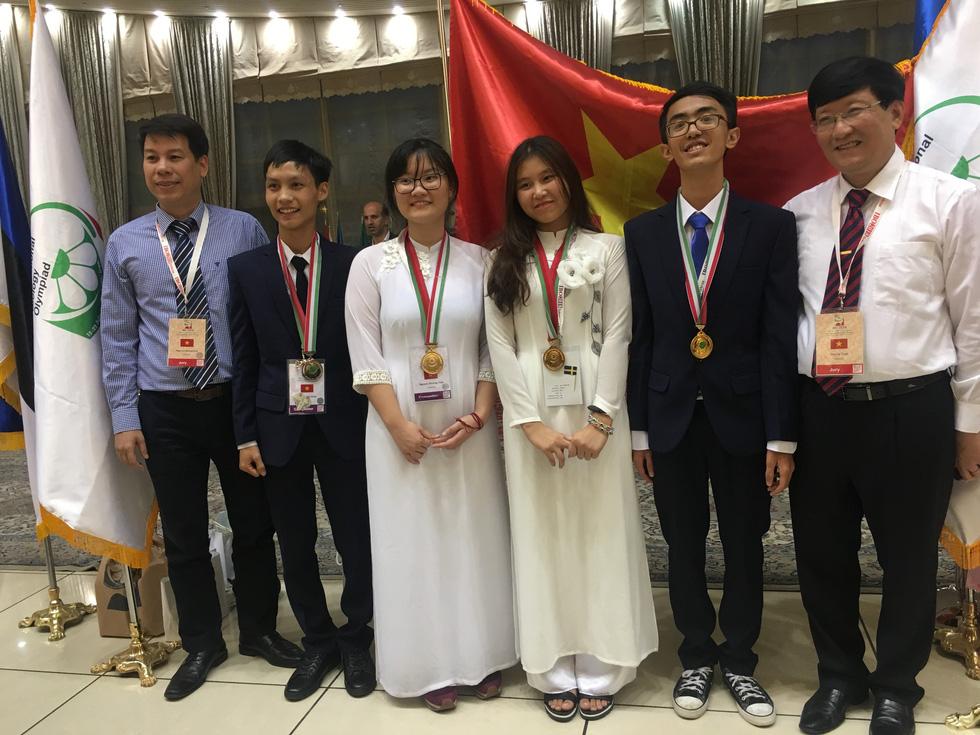 Cô gái vàng Việt Nam 19 tuổi nghiên cứu liệu trình điều trị ung thư - Ảnh 4.