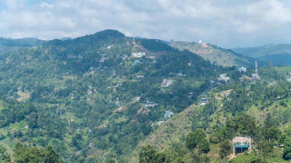 Băng qua những đồi chè xanh mướt ở Sri Lanka - Ảnh 7.