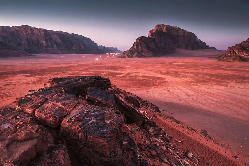 Ngắm sao Hỏa trên... mặt đất - Ảnh 1.