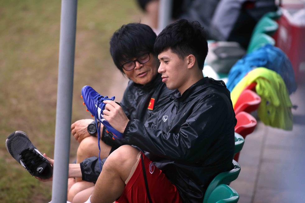 Tiền đạo Nguyễn Tiến Linh chia tay U23 VN - Ảnh 6.