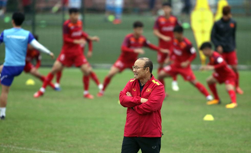 Tiền đạo Nguyễn Tiến Linh chia tay U23 VN - Ảnh 5.