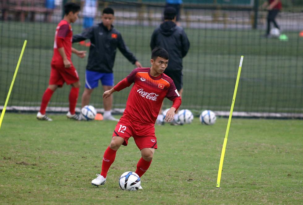 Tiền đạo Nguyễn Tiến Linh chia tay U23 VN - Ảnh 2.