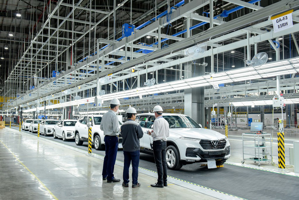 VinFast đưa 115 xe đi 14 nước ở 4 châu kiểm thử chất lượng - Ảnh 1.