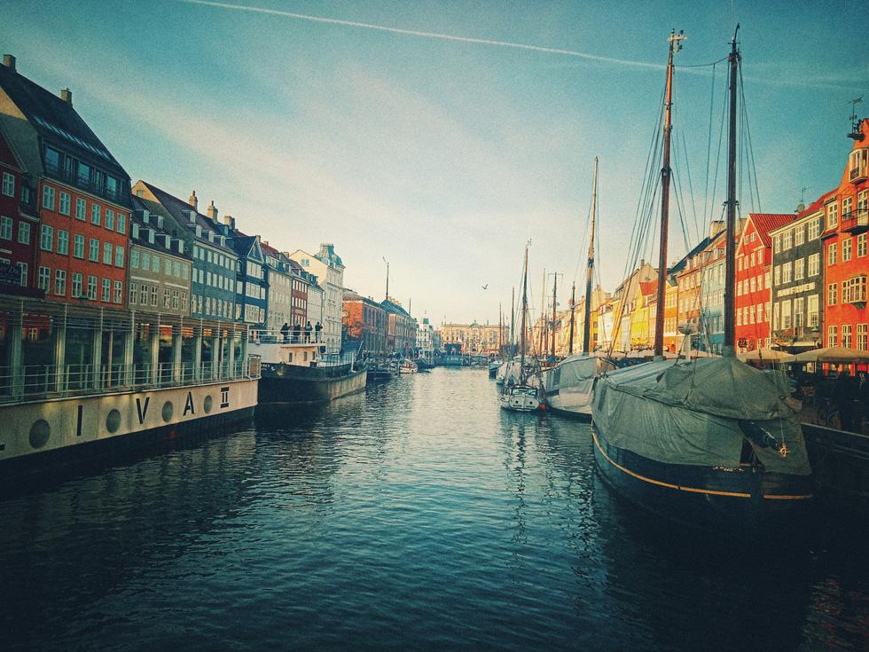 Sưu cao thuế nặng, dân Đan Mạch vẫn hạnh phúc quá mức - Ảnh 2.
