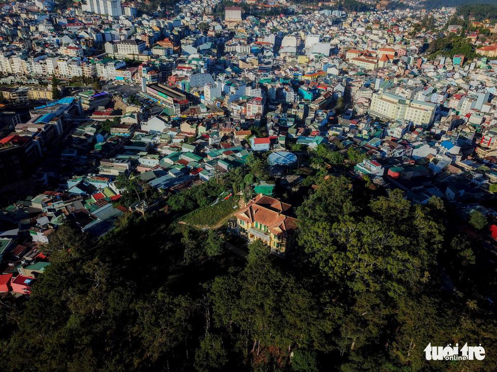 Di sản hoang phế Dinh tỉnh trưởng ở Đà Lạt - Ảnh 2.