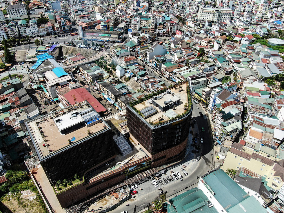 Đà Lạt nhìn từ flycam: thành phố bêtông chứ đâu phải thành phố trong rừng?  - Ảnh 4.