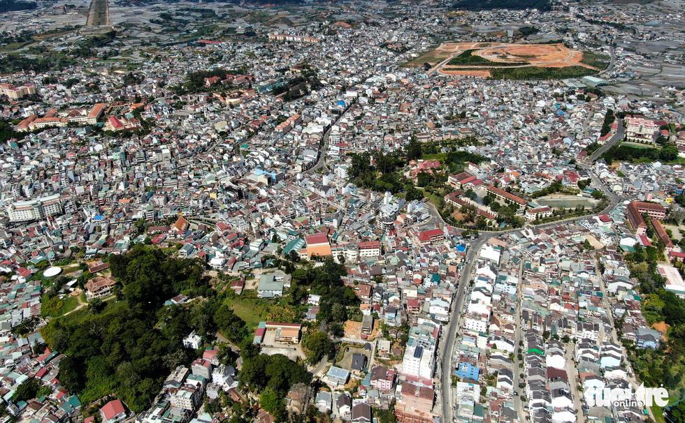 Đà Lạt nhìn từ flycam: thành phố bêtông chứ đâu phải thành phố trong rừng?  - Ảnh 2.