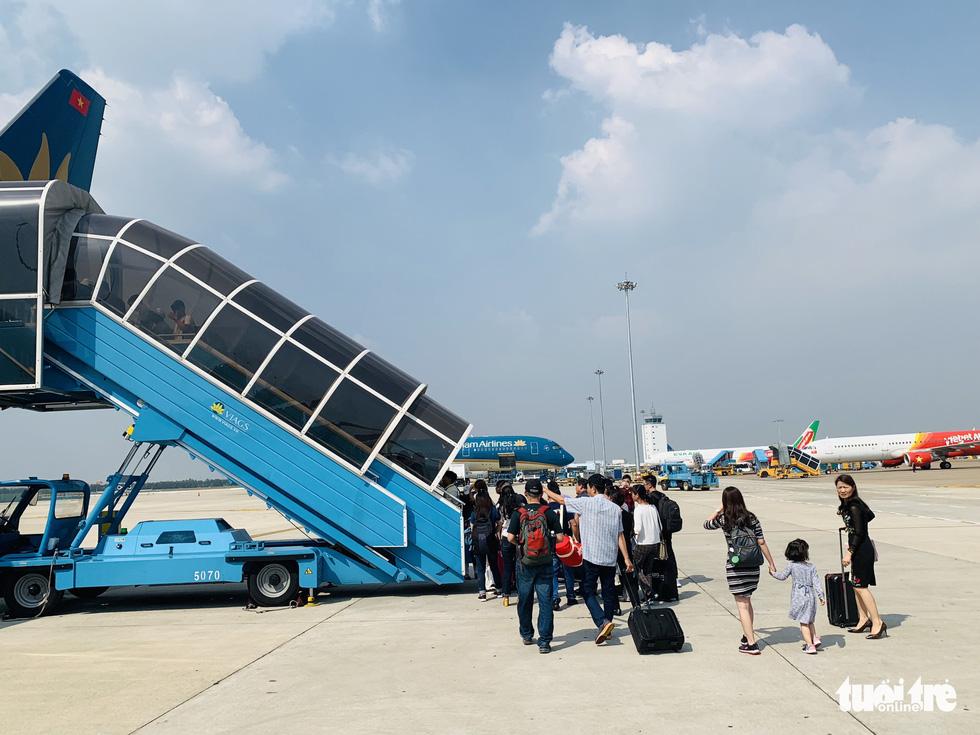 Hàng không tăng 2.000 chuyến bay dịp giỗ tổ Hùng Vương - Ảnh 1.