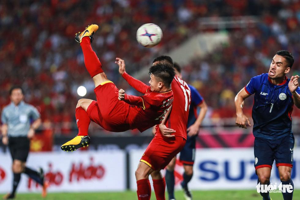 Những khoảnh khắc lịch sử của ĐT Việt Nam tại AFF cup 2018 - Ảnh 19.