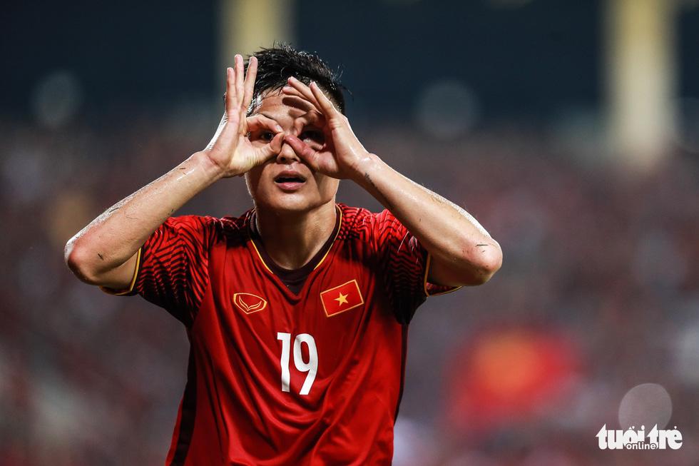 Những khoảnh khắc lịch sử của ĐT Việt Nam tại AFF cup 2018 - Ảnh 17.
