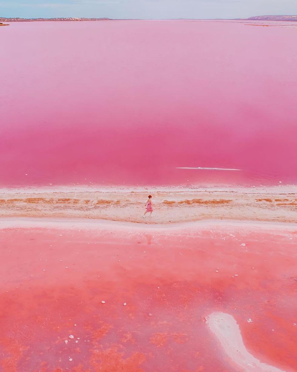 Kỳ lạ hồ nước màu hồng, đỏ, cam theo giờ - Ảnh 3.