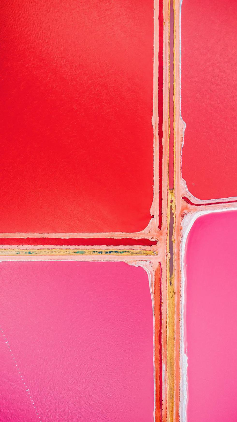 Kỳ lạ hồ nước màu hồng, đỏ, cam theo giờ - Ảnh 10.