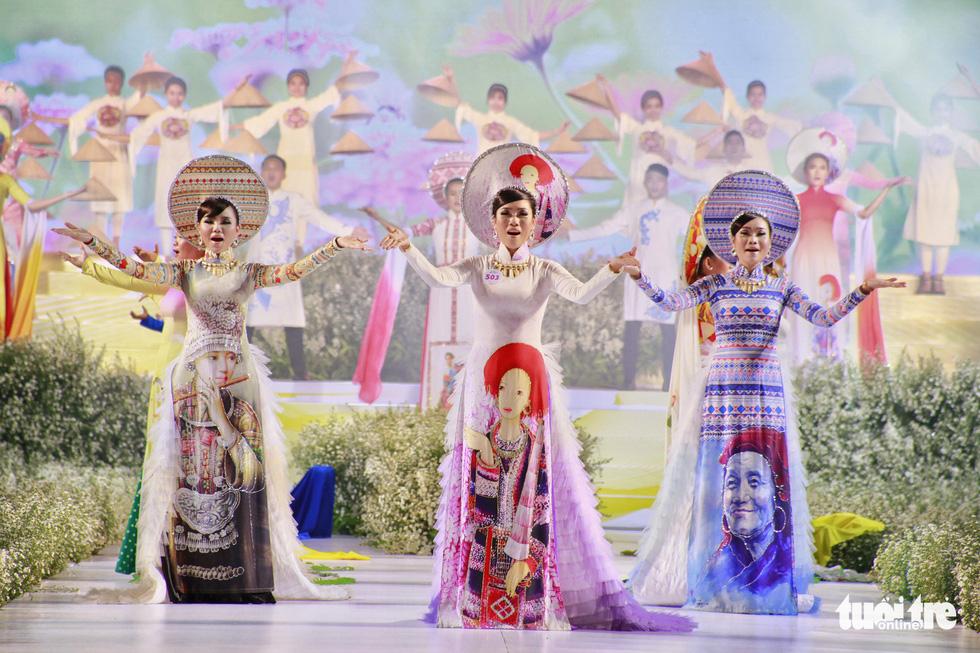 Nguyễn Trăm và Mộng Đào đoạt giải Duyên dáng áo dài 2019 - Ảnh 9.