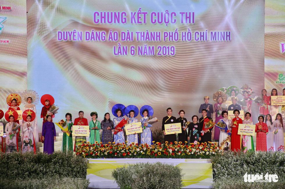Nguyễn Trăm và Mộng Đào đoạt giải Duyên dáng áo dài 2019 - Ảnh 10.