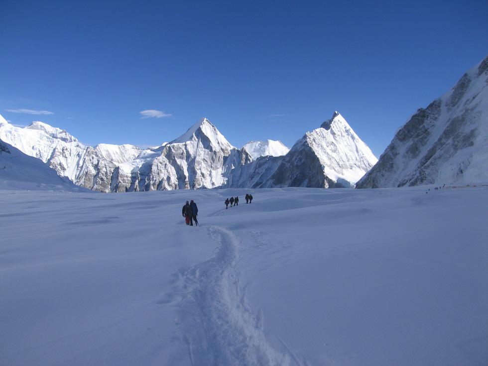 Người Việt Nam trẻ tuổi nhất chinh phục Everest thi chạy 42km ở Bắc cực - Ảnh 6.