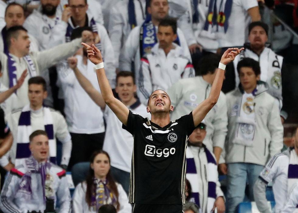 Chùm ảnh Real Madrid thảm bại trước Ajax - Ảnh 1.