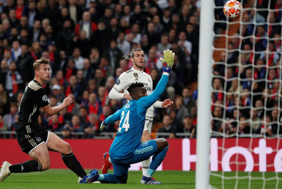 Chùm ảnh Real Madrid thảm bại trước Ajax - Ảnh 3.