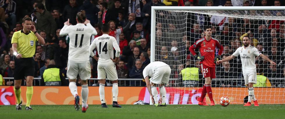 Chùm ảnh Real Madrid thảm bại trước Ajax - Ảnh 9.