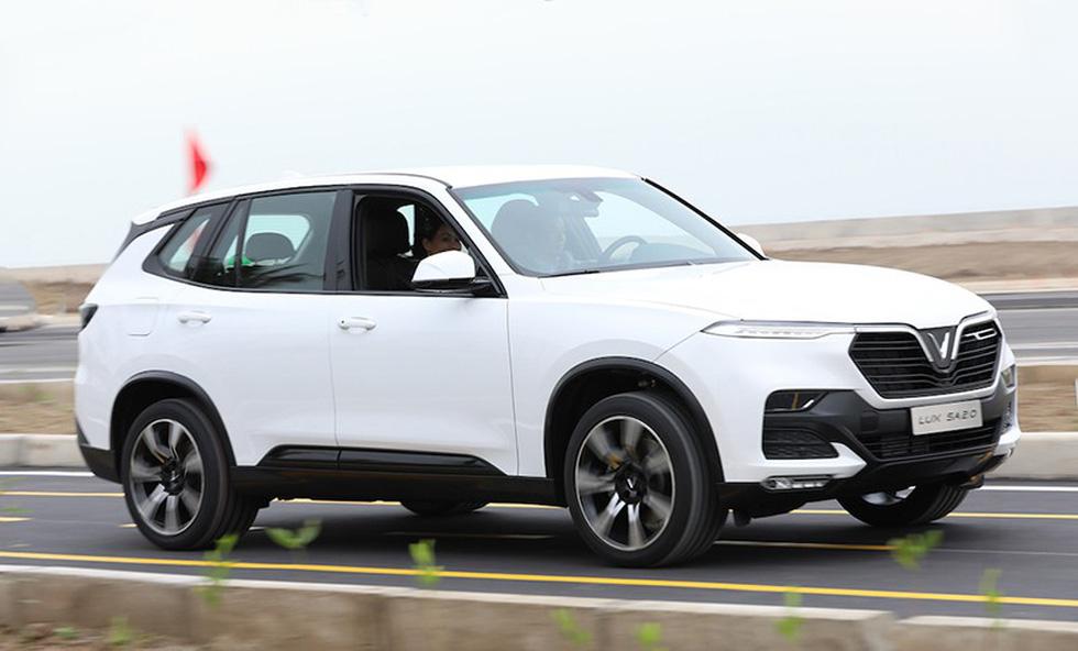 Cận cảnh xe chiếc VinFast Lux SA2.0 đầu tiên vừa xuất xưởng - Ảnh 9.