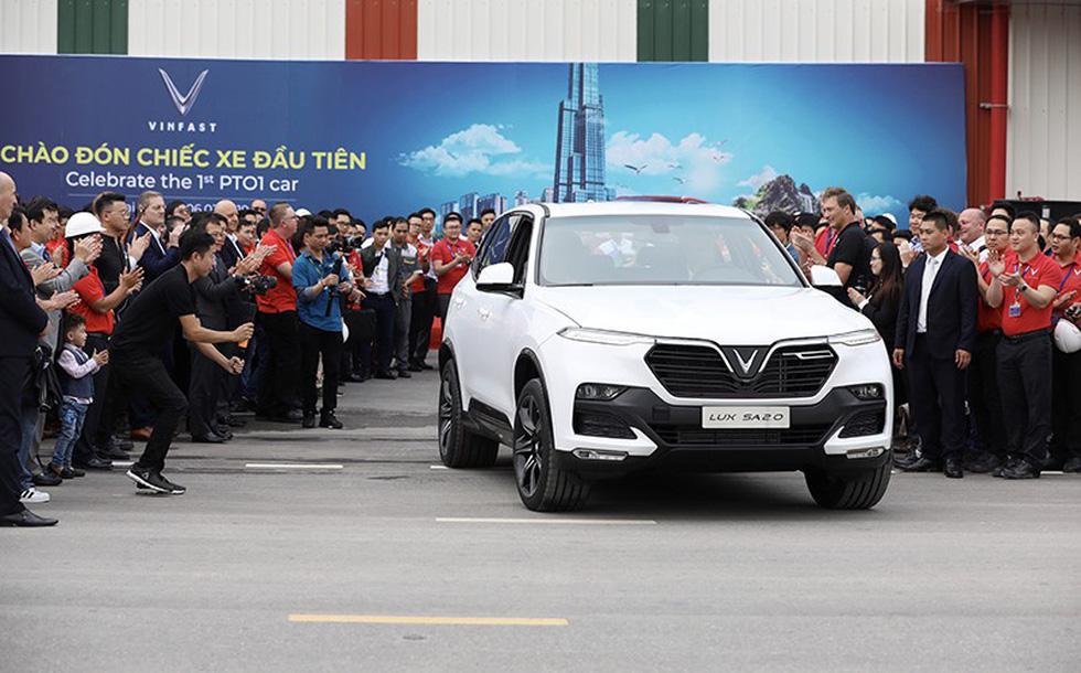 Xe VinFast Lux SA2.0 đầu tiên đã lăn bánh, sắp sản xuất hàng loạt - Ảnh 2.
