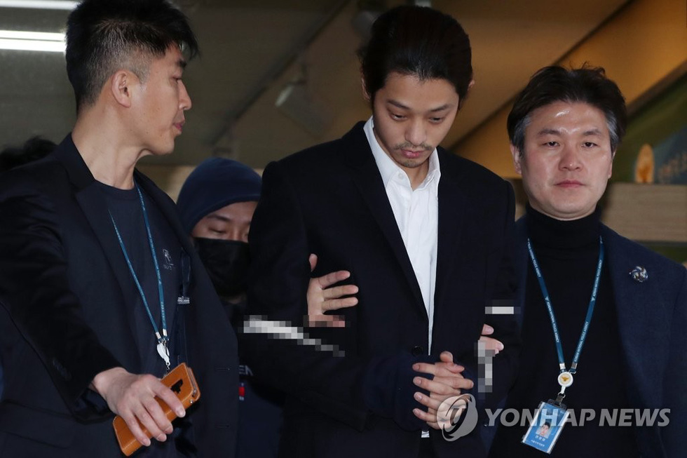 Bê bối tình dục, Jung Joon Young và Choi Jong Hoon bị kết án tù giam - Ảnh 7.
