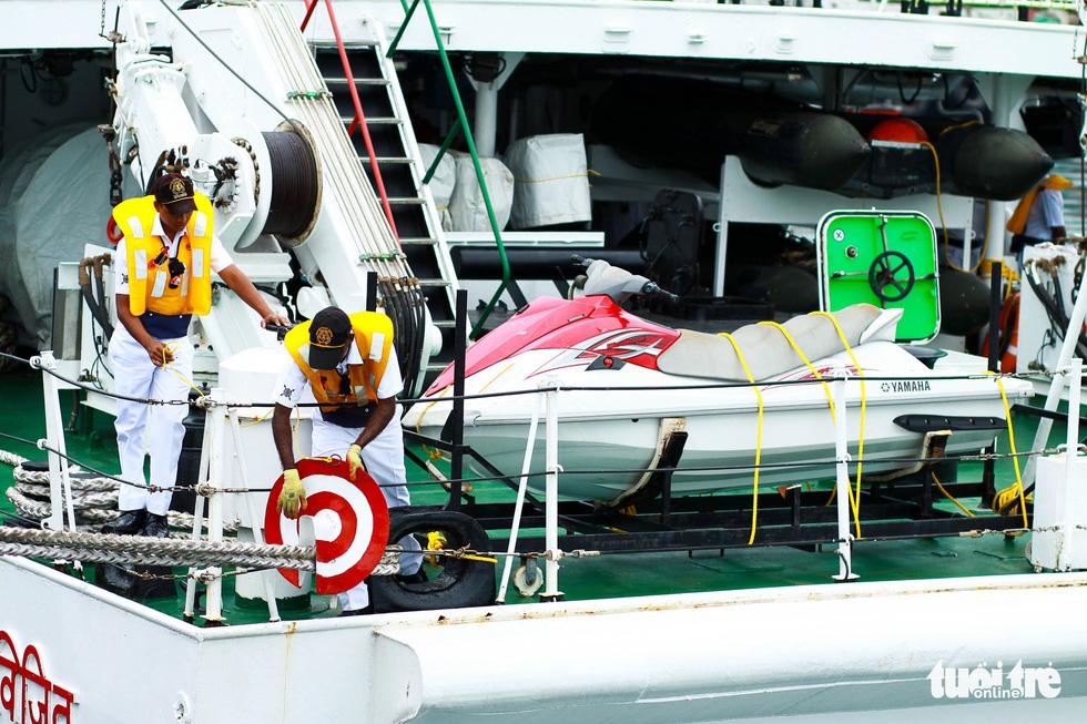 Tàu VIJIT thuộc Lực lượng bảo vệ bờ biển Ấn Độ thăm Đà Nẵng - Ảnh 6.