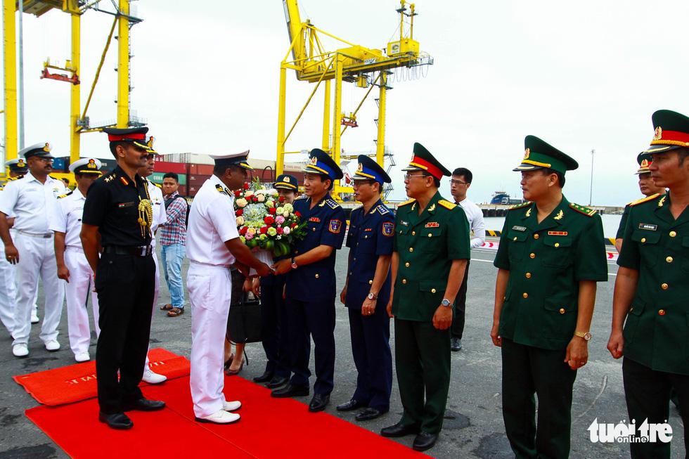 Tàu VIJIT thuộc Lực lượng bảo vệ bờ biển Ấn Độ thăm Đà Nẵng - Ảnh 4.