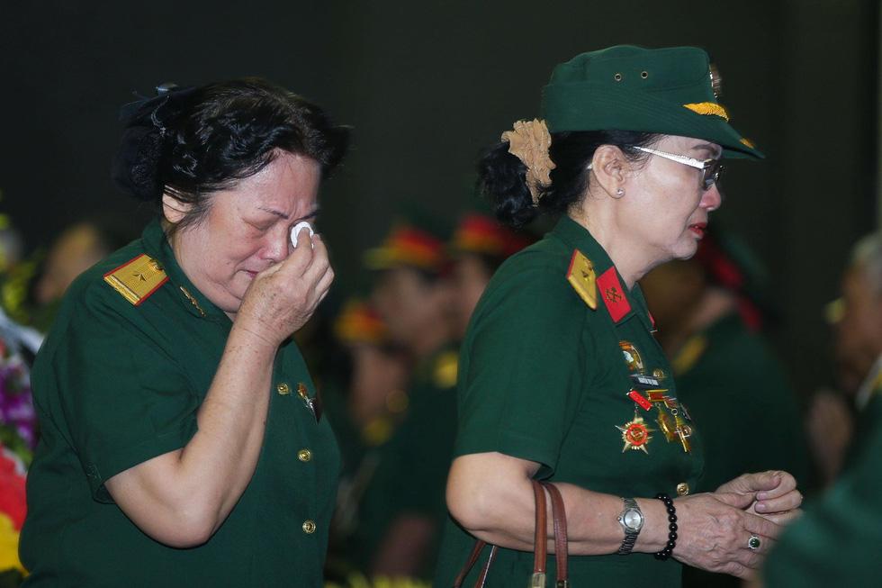 Nghiêng mình tiễn biệt Trung tướng Đồng Sỹ Nguyên - Ảnh 13.