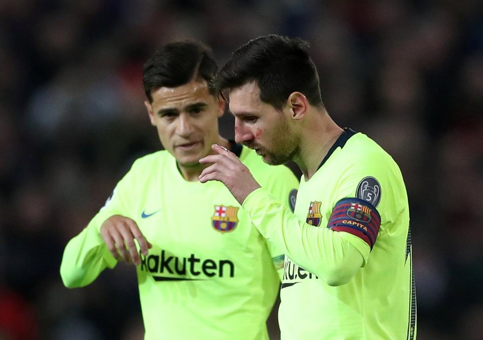 Messi đổ máu trong chiến thắng của Barca trước M.U - Ảnh 8.