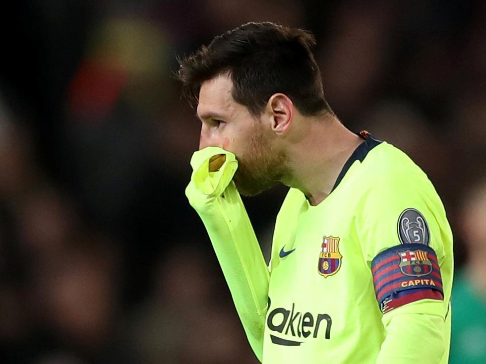 Messi đổ máu trong chiến thắng của Barca trước M.U - Ảnh 6.