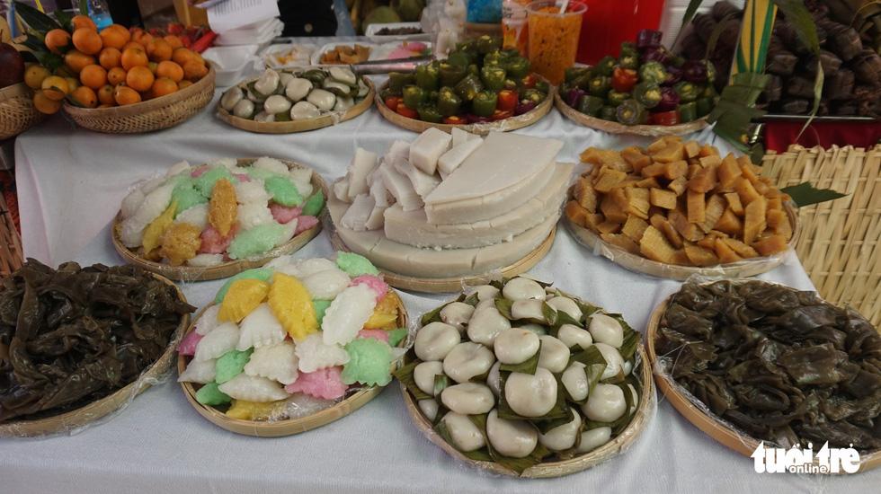No cái bụng, đã con mắt với hơn 100 loại bánh ở Lễ hội Bánh dân gian Nam Bộ - Ảnh 2.