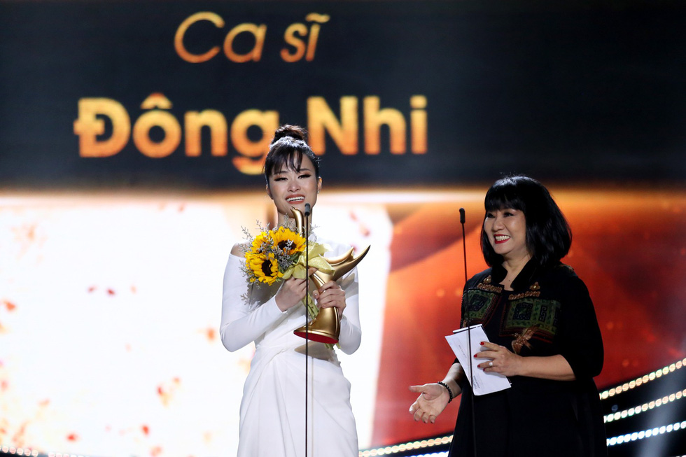 Cống hiến 2019: Gần hơn thị trường, Đông Nhi thắng giải Ca sĩ của năm - Ảnh 9.
