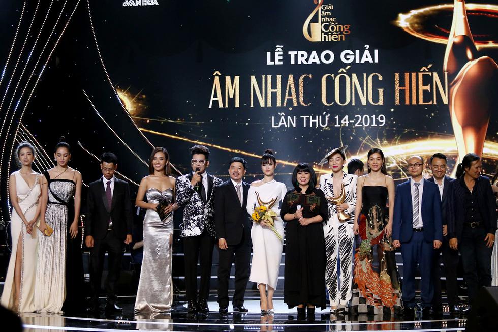 Cống hiến 2019: Gần hơn thị trường, Đông Nhi thắng giải Ca sĩ của năm - Ảnh 11.