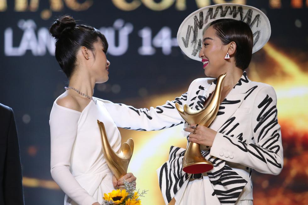 Cống hiến 2019: Gần hơn thị trường, Đông Nhi thắng giải Ca sĩ của năm - Ảnh 10.