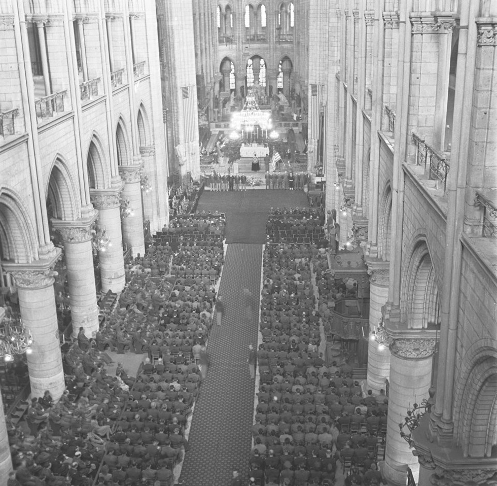 Nhìn lại Nhà thờ Đức Bà Paris qua các thời kỳ lịch sử - Ảnh 11.