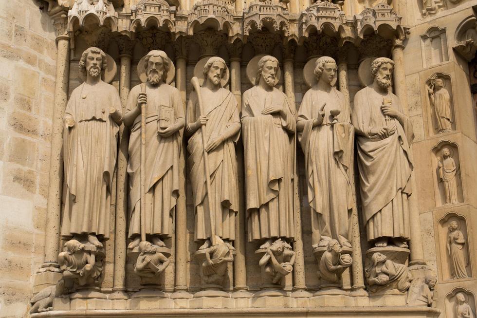 Nhìn lại Nhà thờ Đức Bà Paris qua các thời kỳ lịch sử - Ảnh 15.